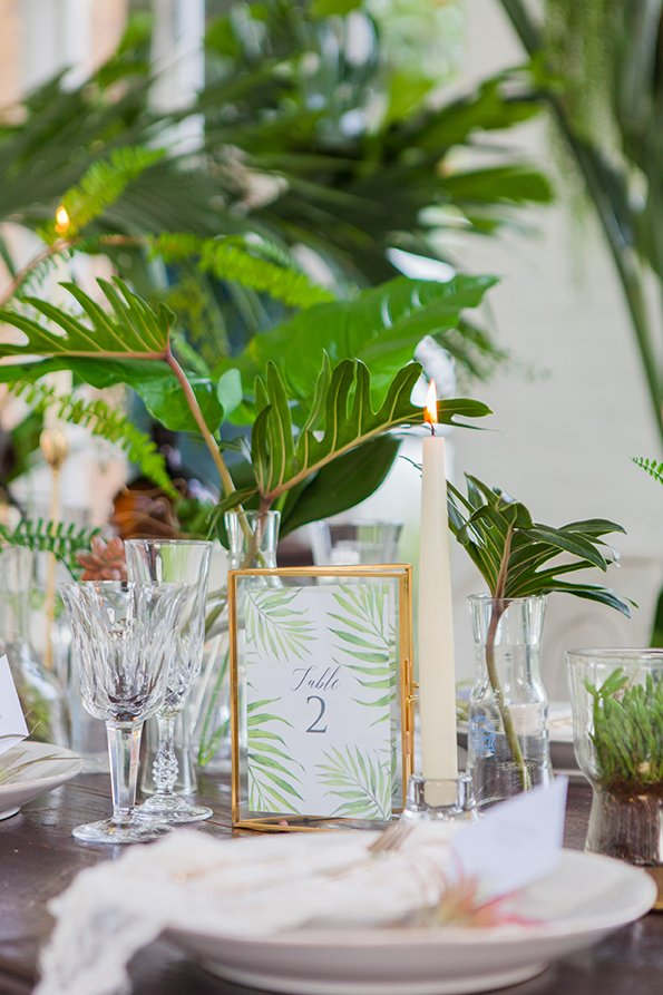 Tropical Wedding Table Details | Wedding Inspiration | Flamboyant Invites