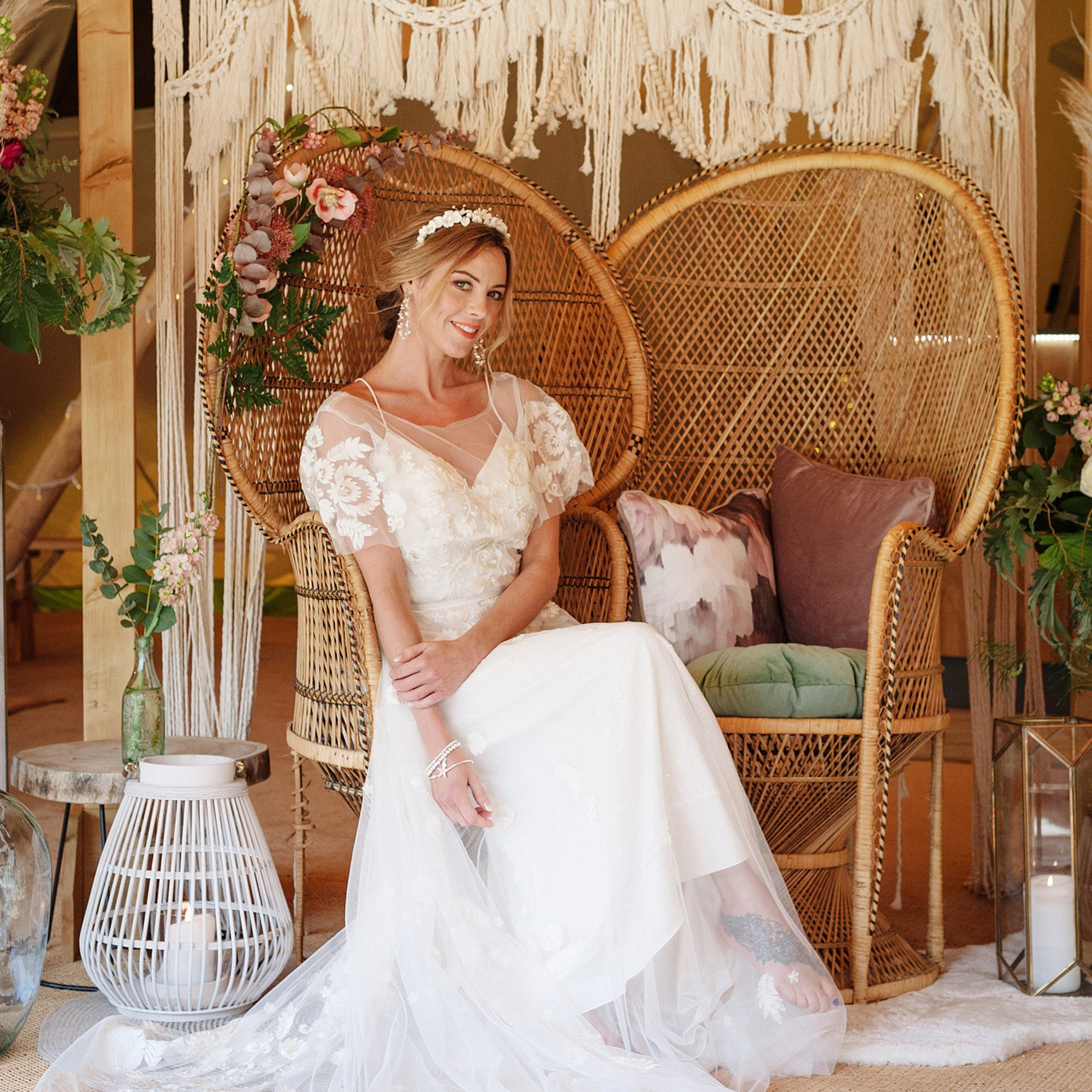 Boho Tipi Bride Wedding Inspiration | Flamboyant Invites