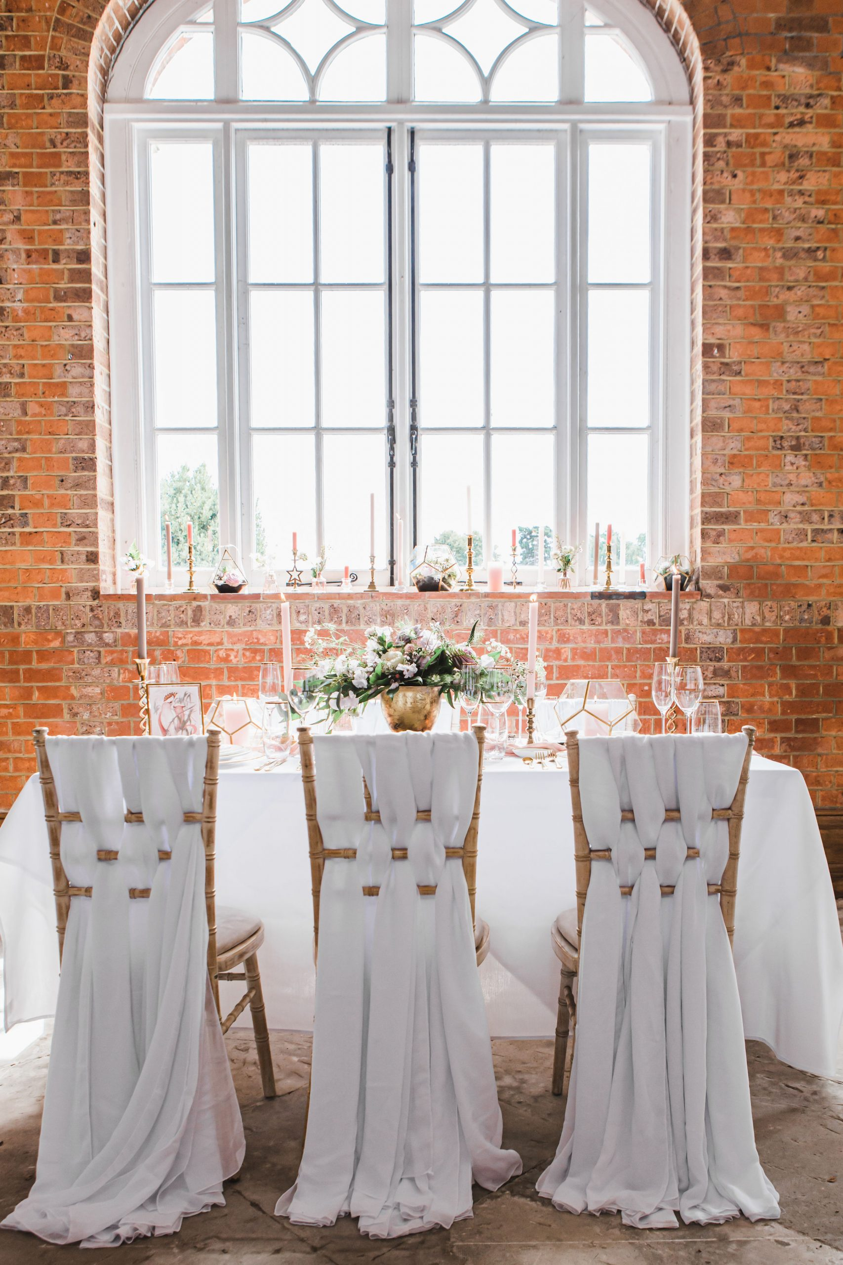 Spring Wedding Table Decor Ideas | Flamboyant Invites